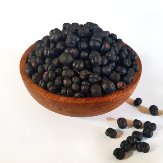 Freeze dried pepperberry