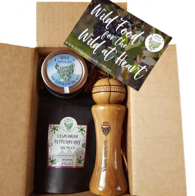 Pepper grinder and salt pack in a box